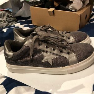 Shoes - Brown sneakers with star